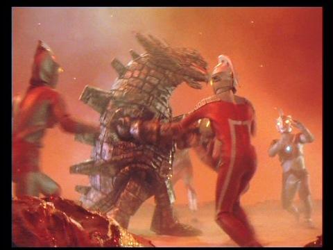 グランドキング VS ウルトラ5兄弟