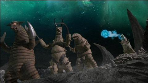 ウルトラマンゼロに攻撃を仕掛ける怪獣たち