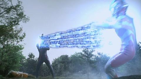 ワイドショットでウルトラマンギンガに大ダメージを与えたウルトラセブンダーク(SD)