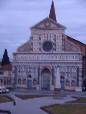 窓からサンタ・マリア・ノヴェッラ教会