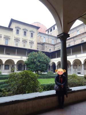 サン・ロレンツォ教会の回廊