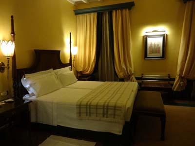 サンタ・マリア・ノヴェッラホテルのベッド