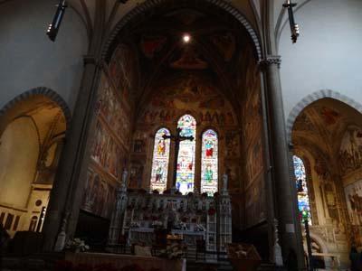 サンタ・マリア・ノヴェッラ教会のステンドグラス