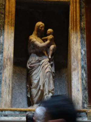 ラファエッロ墓1