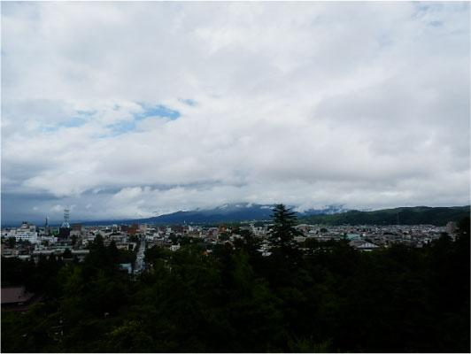 磐梯山が見えるはず