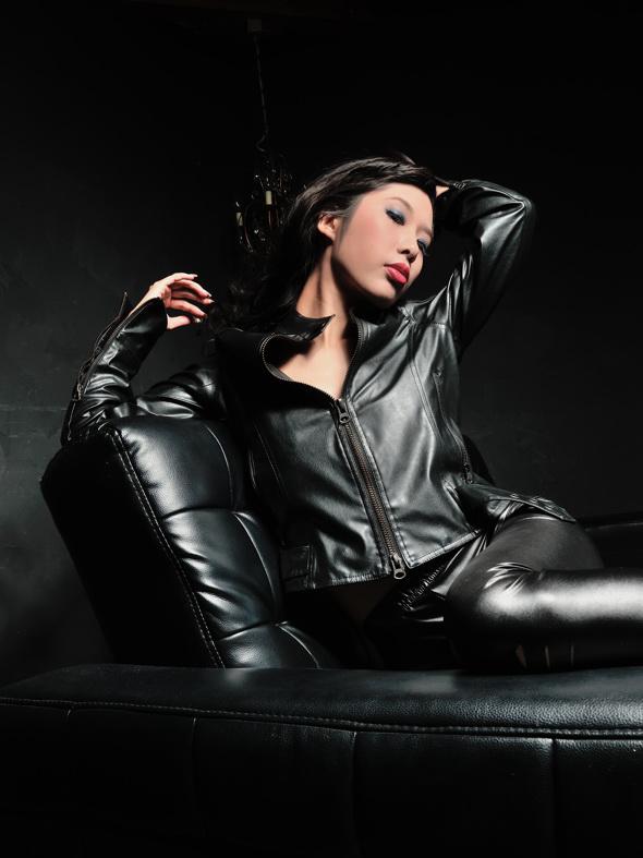 Lady Black 2