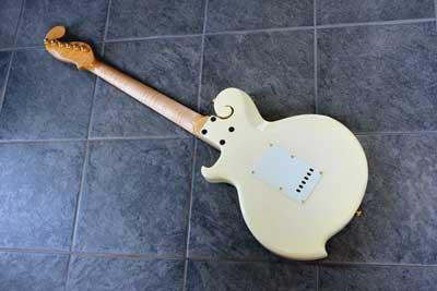 アッシュギター04