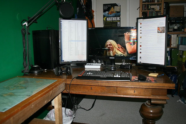 Desktop_MultiDisplay23_09.jpg