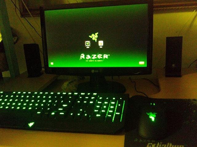 Desktop_Razer7_05.jpg