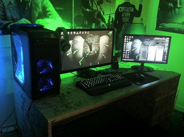 Desktop_Razer7_100.jpg
