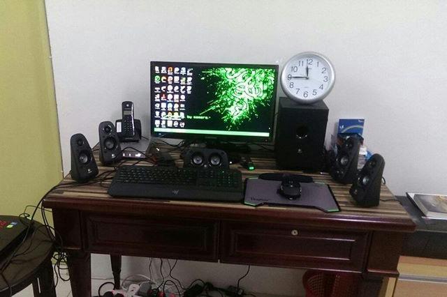 Desktop_Razer7_11.jpg