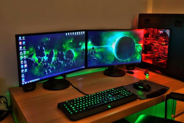 Desktop_Razer7_12.jpg