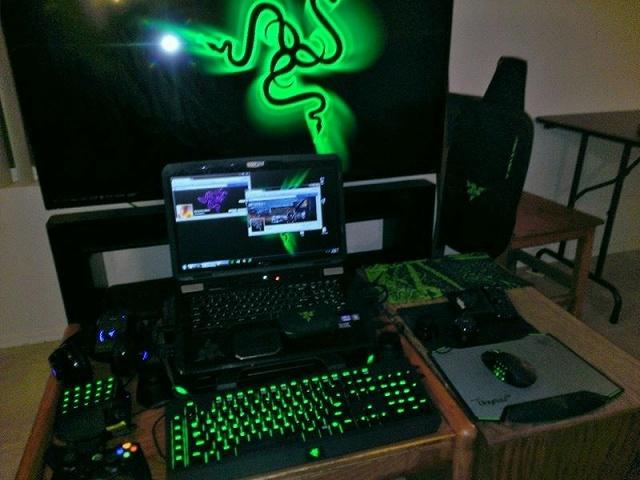 Desktop_Razer7_30.jpg