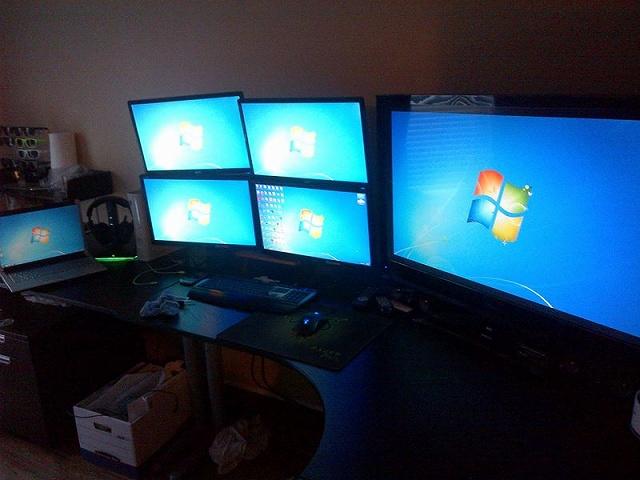 Desktop_Razer7_37.jpg
