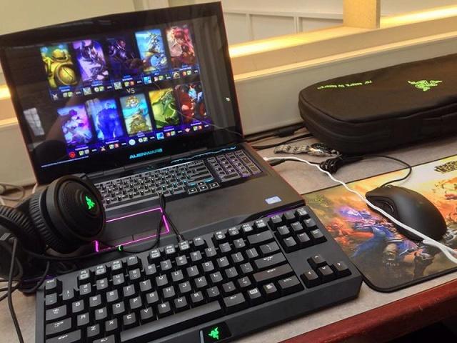 Desktop_Razer7_38.jpg