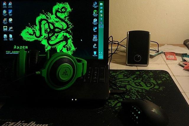 Desktop_Razer7_40.jpg