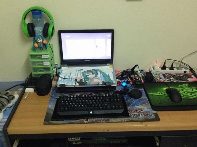 Desktop_Razer7_50.jpg