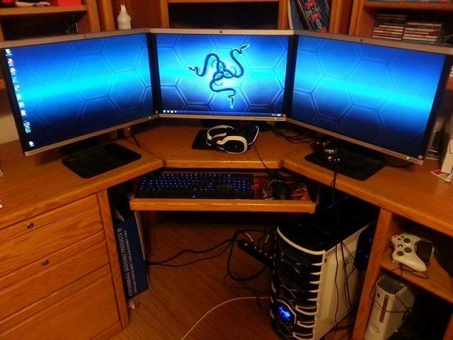 Desktop_Razer7_54.jpg