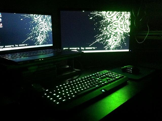 Desktop_Razer7_66.jpg