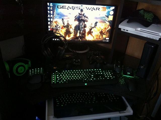 Desktop_Razer7_85.jpg