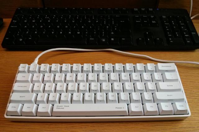 POKER2_White_08.jpg
