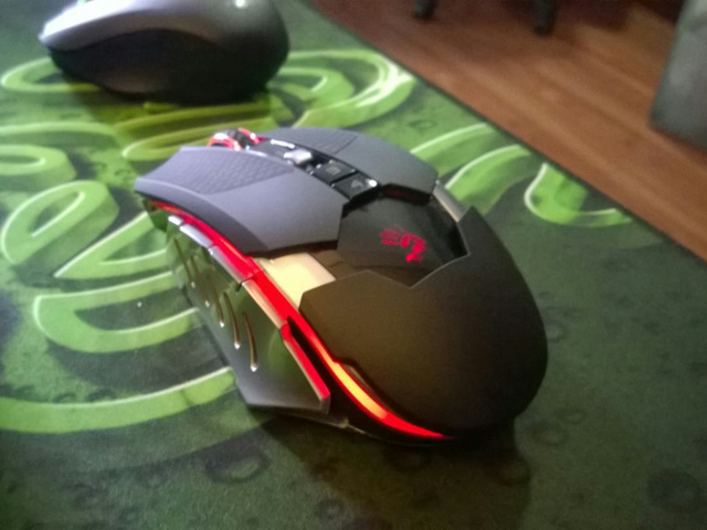 Wireless_Gaming_Mouse_201406_10.jpg
