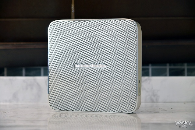harman-kardon_ESQUIRE_02.jpg