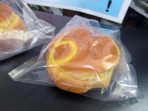 006大好きなパンを食べて
