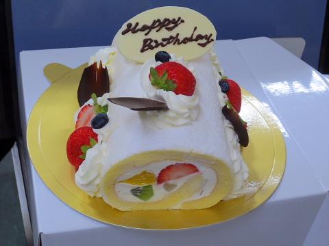 003プレゼンとケーキです