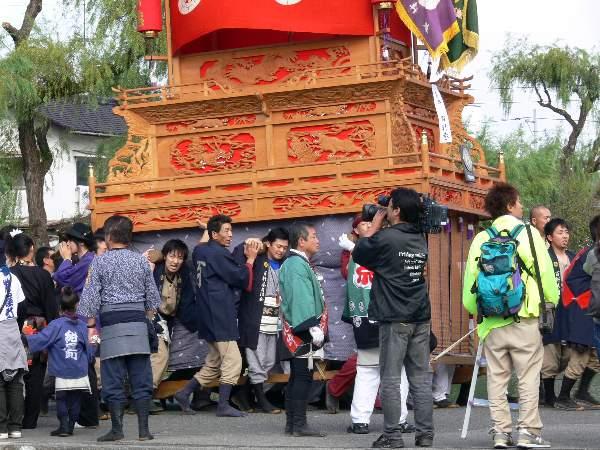 百軒巷だんじり(屋台) 西条祭り 御殿前 矢野寛一郎氏撮影