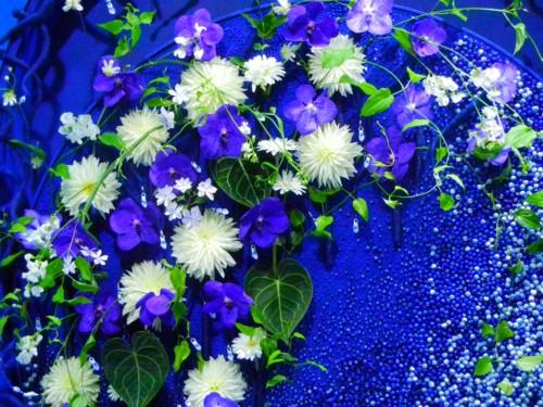 このブルーの作品は上海の方の作品です。