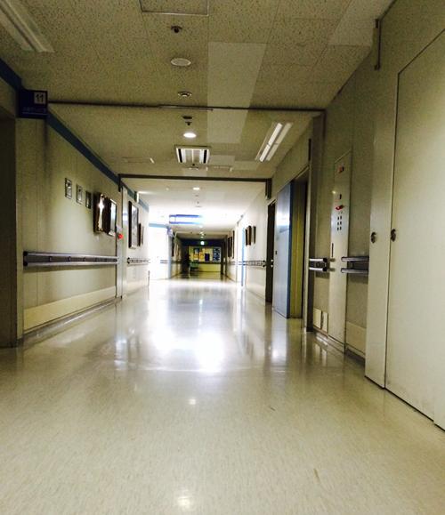 入院_病院廊下