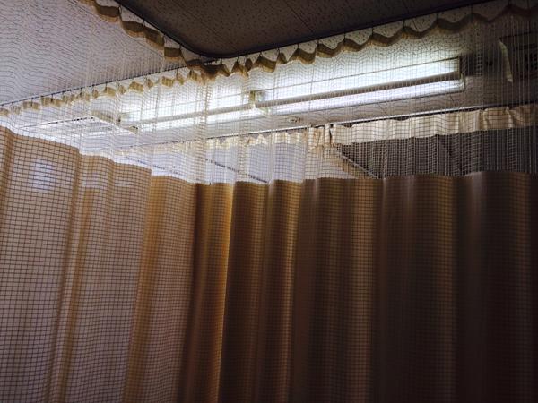 入院_カーテン