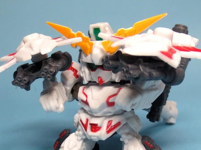 Gacha_NEXT_19_RX0_FA_Unicorn_Gundam_16.jpg