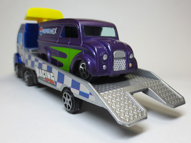 PONY_Racing_car_Transporter_29.jpg