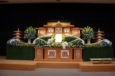 黄色と青の花祭壇5104