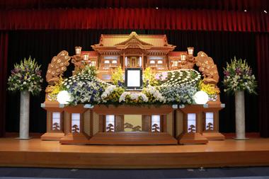 黄色と青の花祭壇5370