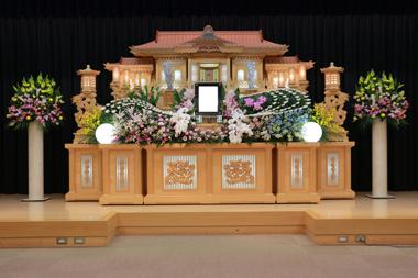 華やかピンクの花祭壇5378