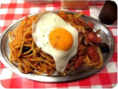 カレーナポ+目玉焼き
