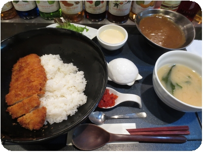 ロースカツカレー定食