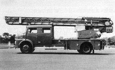 鋼製4連30m油圧式リフター付はしご車
