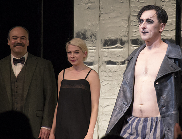 danny-burstein-and-michelle-williams-look-on-as-alan-92564.jpg