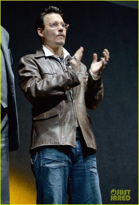 johnny-depp-cinemacon-transcendence-03.jpg