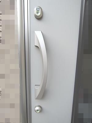 トステム玄関ドア 鍵交換