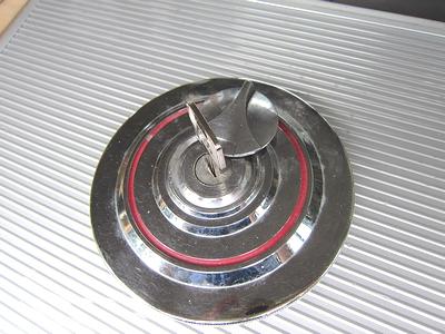 燃料タンクキャップ 鍵作製