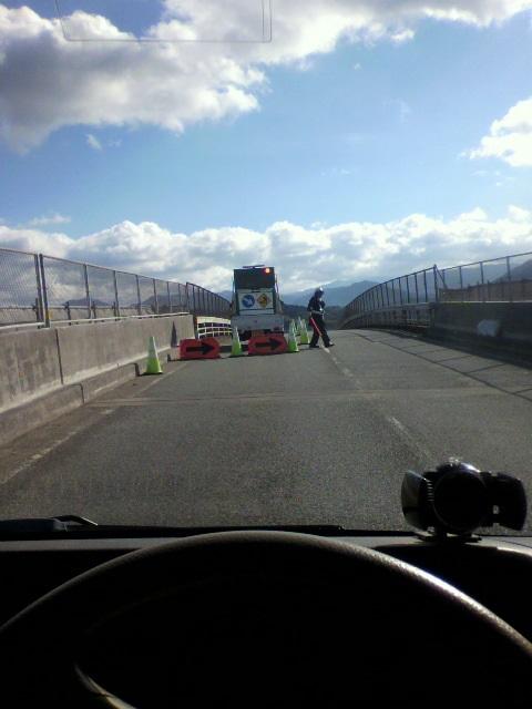 日本の悪しき風習・・・・  年末の道路工事・・・