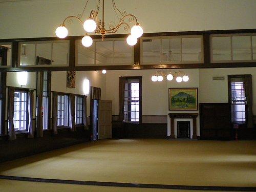 旧弘前偕行社・講堂