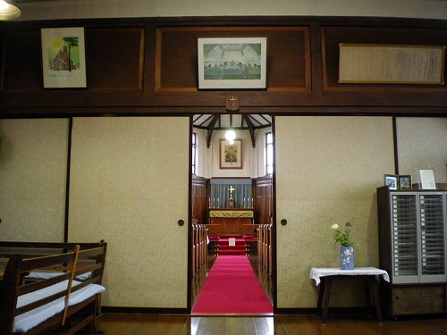 弘前昇天教会・聖堂内3