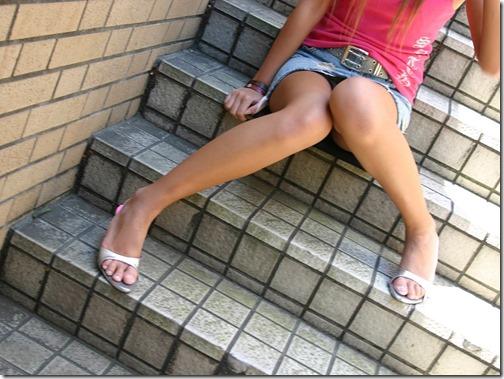 【脚フェチエロ画像】こんな太もも化して貰って膝枕して貰いたいお姉さん画像18-s