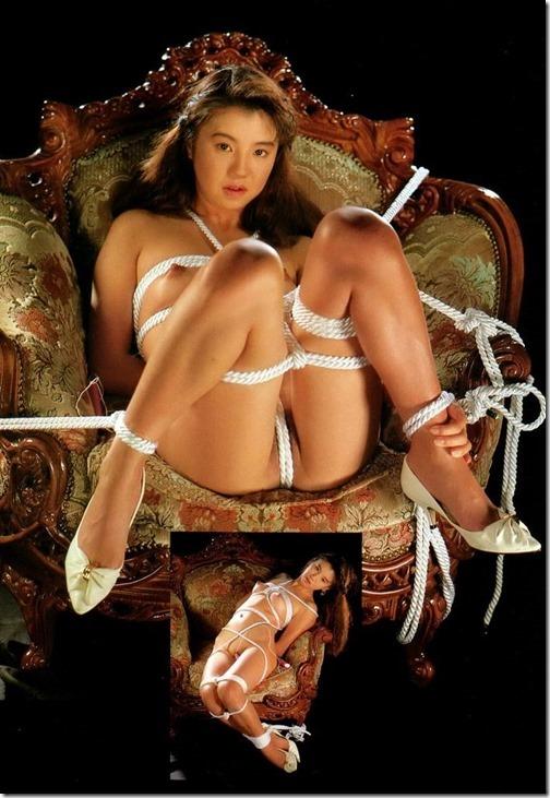 【SMエロ画像】昭和のかほりがする拘束されたオンナ達を見に行く